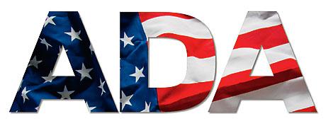 Bokstäverna A D A med en amerikansk flagga i.