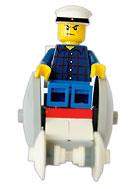 Legogubbe med studentmössa i en legorullstol